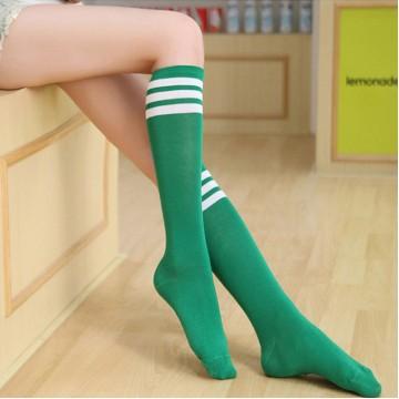 Гетры зеленые по колено с белыми полосками